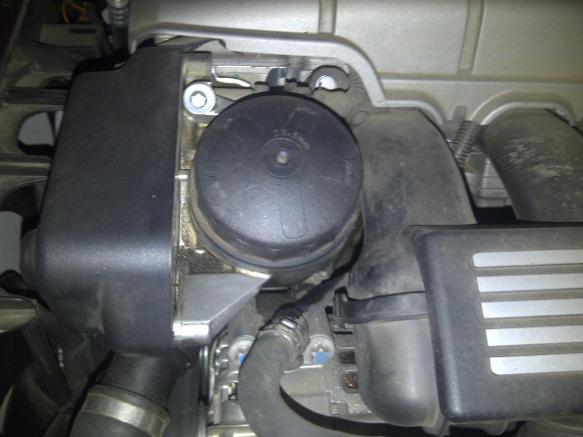 bmw n52 oil cap leak