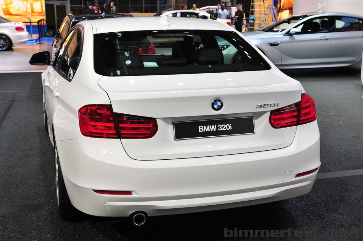 BMW 320i 180 horsepower