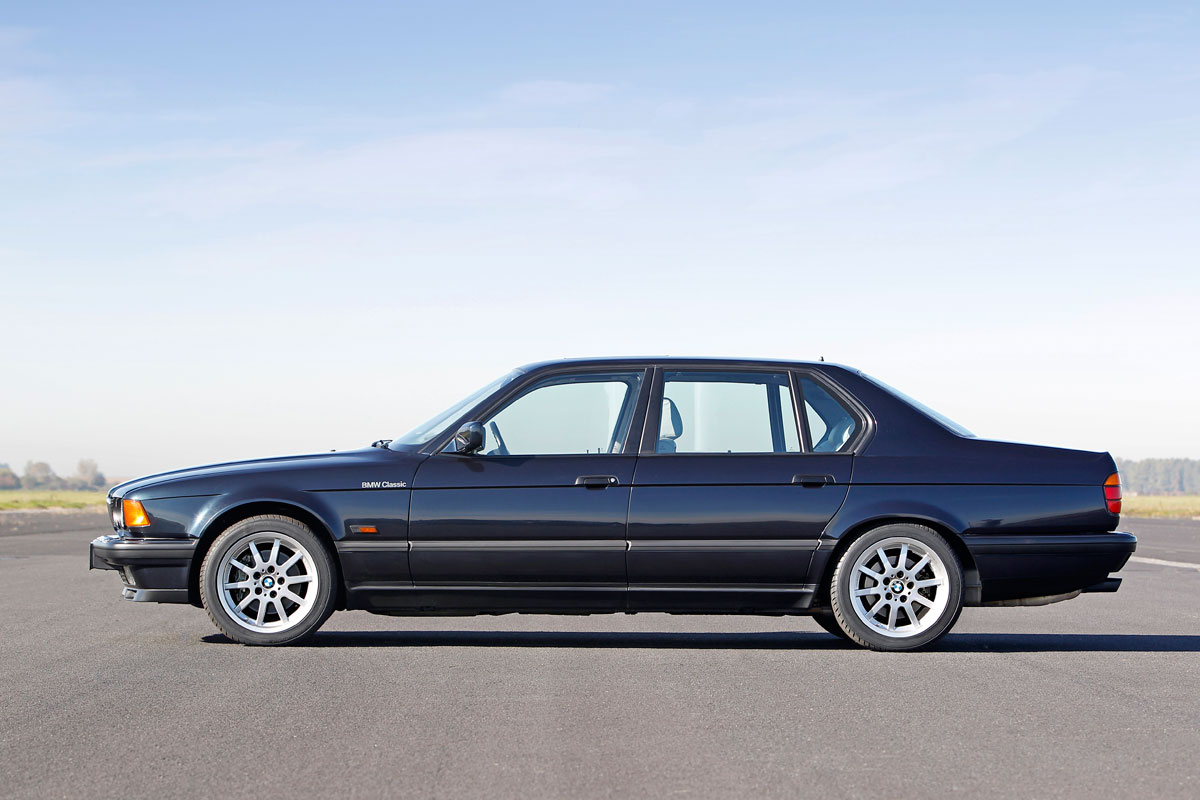 BMW celebrates 25 years of v12 7 series