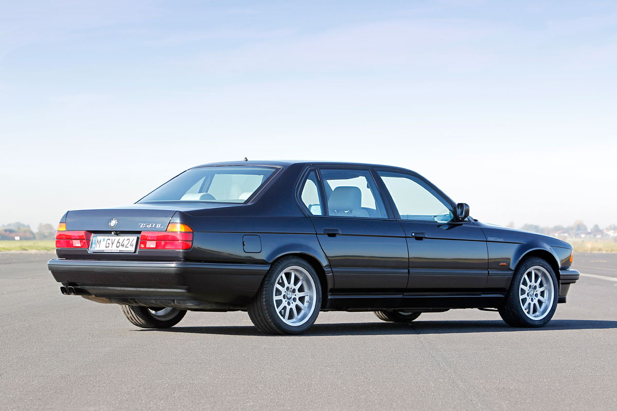 BMW 750i E32 7 series v12 powered