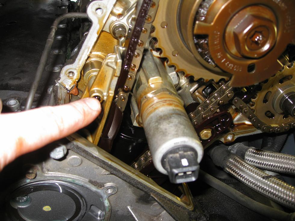 E39 540i - M62TU Timing Chain plastic guide disintegration
