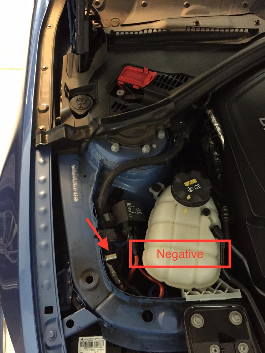 Click image for larger version  Name:435 engine compartment.jpg Views:473 Size:117.0 KB ID:582963
