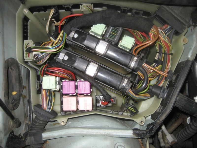 97 Bmw 328i Fuse Box Location
