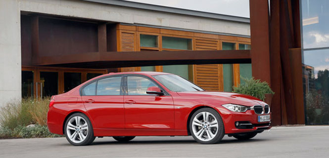 Consumer Reports Picks 2013 BMW 328i as Top Sports Sedan