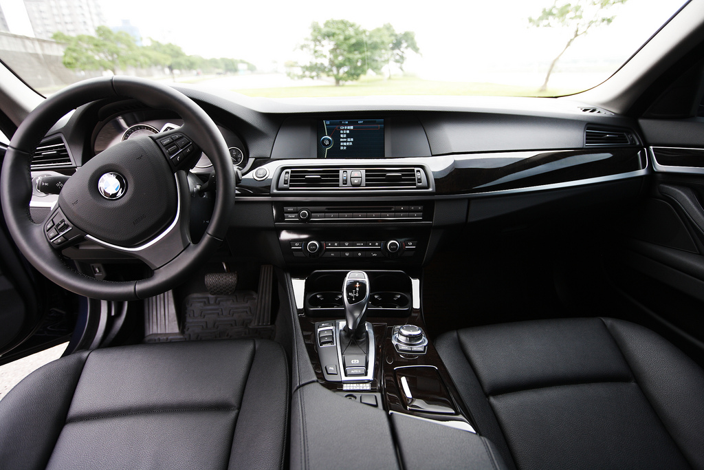 F10 Piano Black Interior Trim For Sale