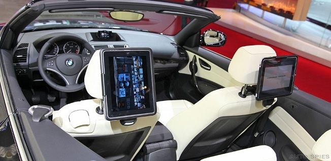 AutoSpies grabs the first REAL life photos of BMW's iPad Integration