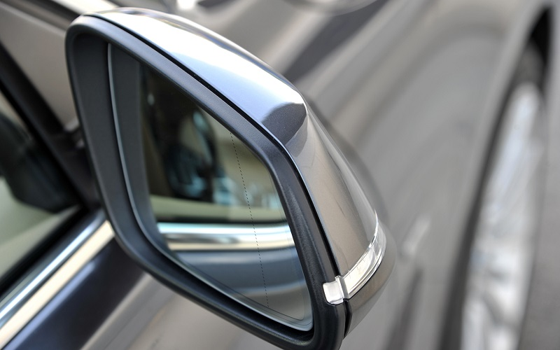 Bmw Strips Automatic Dimming Passenger Mirror From 2017