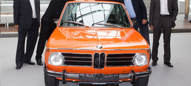 BMW Classic Workshop Rebuilds a 1972 2000 Touring