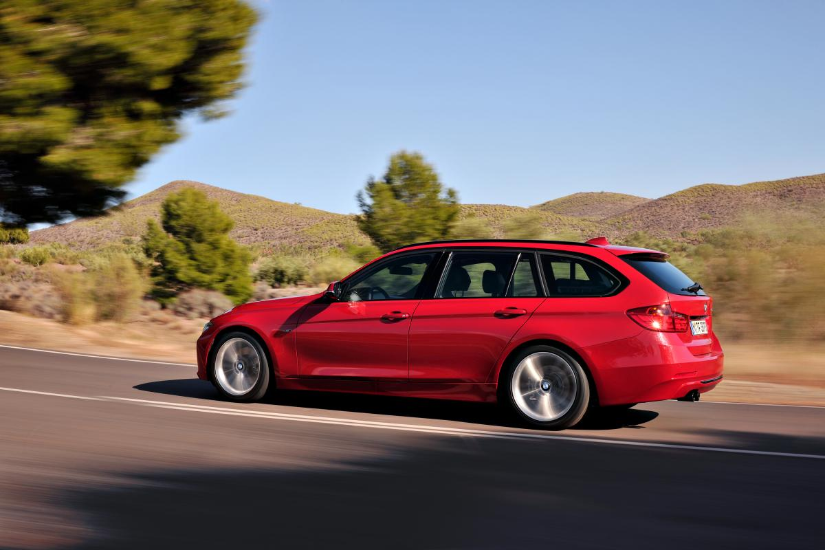 BMW 3 series touring official details