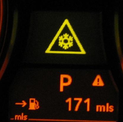 Bmw 320d Warning Light Symbols >> Bmw snowflake triangle symbol