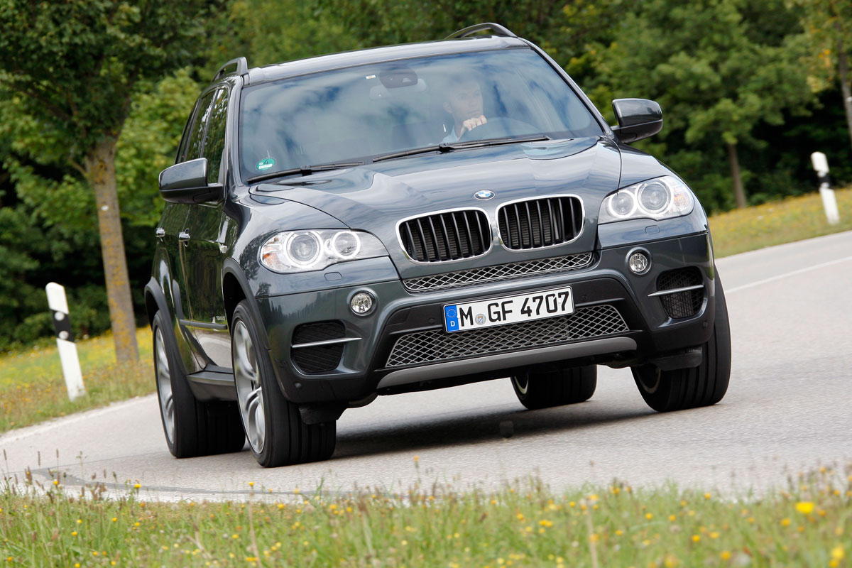 fall 2011 updates to the bmw x5 and x6 give buyers more. Black Bedroom Furniture Sets. Home Design Ideas