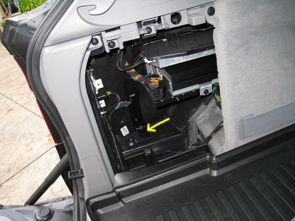 Bmw Sos Buttonbmw Brings Emergency Ecall System To 308 Ferrari Wiring Diagram 360 Fuse Box