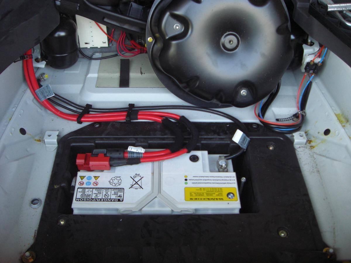 2002 X5 44i changing battery  Bimmerfest  BMW Forums