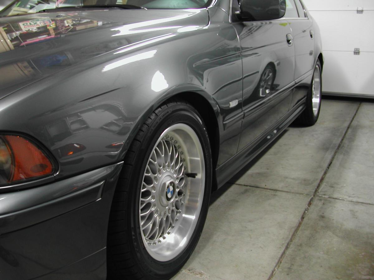 2002 bmw 530i sport package tire size