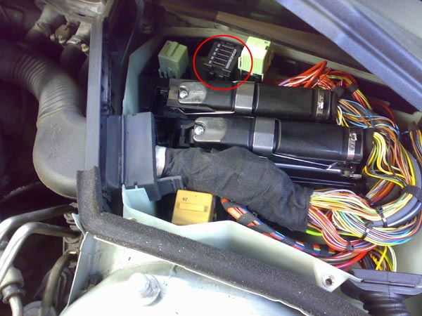 fuses under fresh air filter on e39 bimmerfest bmw forums also your husband will eventually get sick of tearing into the car to get to the fuse