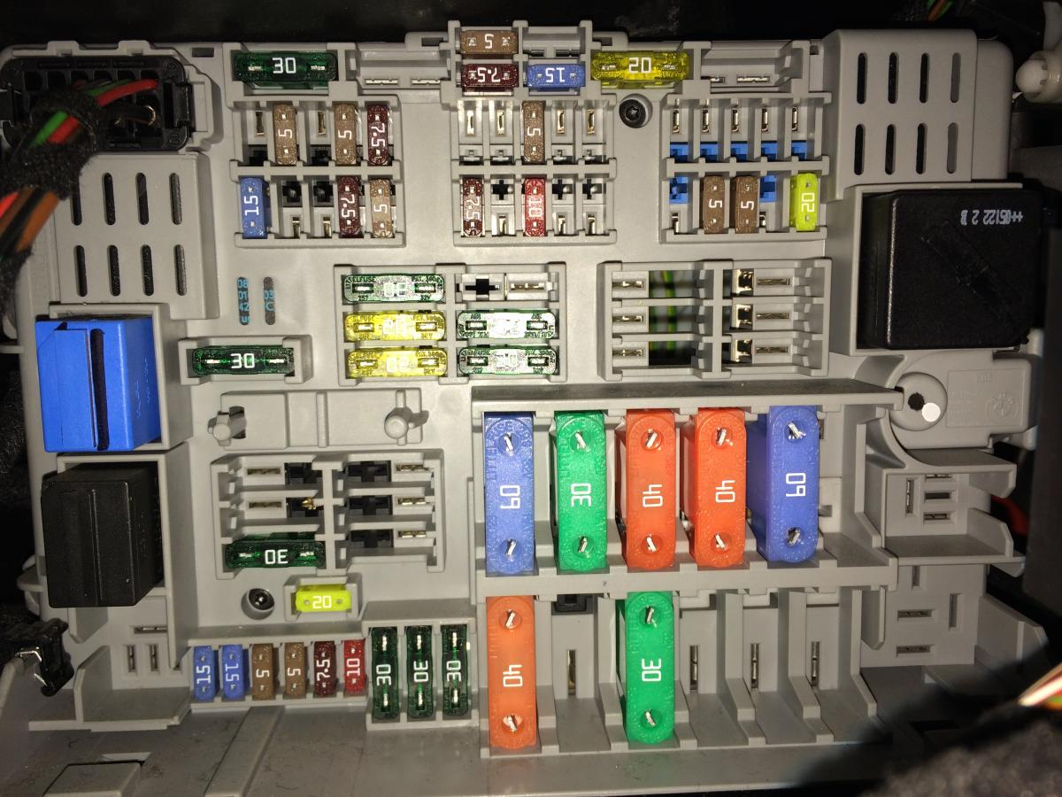 Bmw 320i E90 Fuse Box Location : Bmw e fuse box diagram