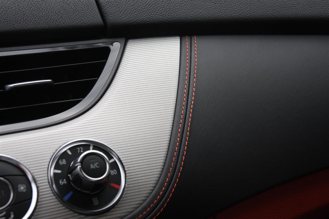 2014 Z4 interior trim