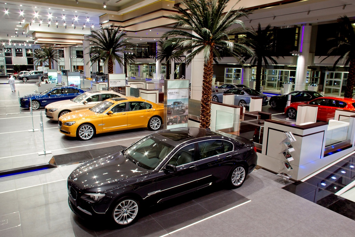 largest bmw showroom in the world opened in Abu dhabi