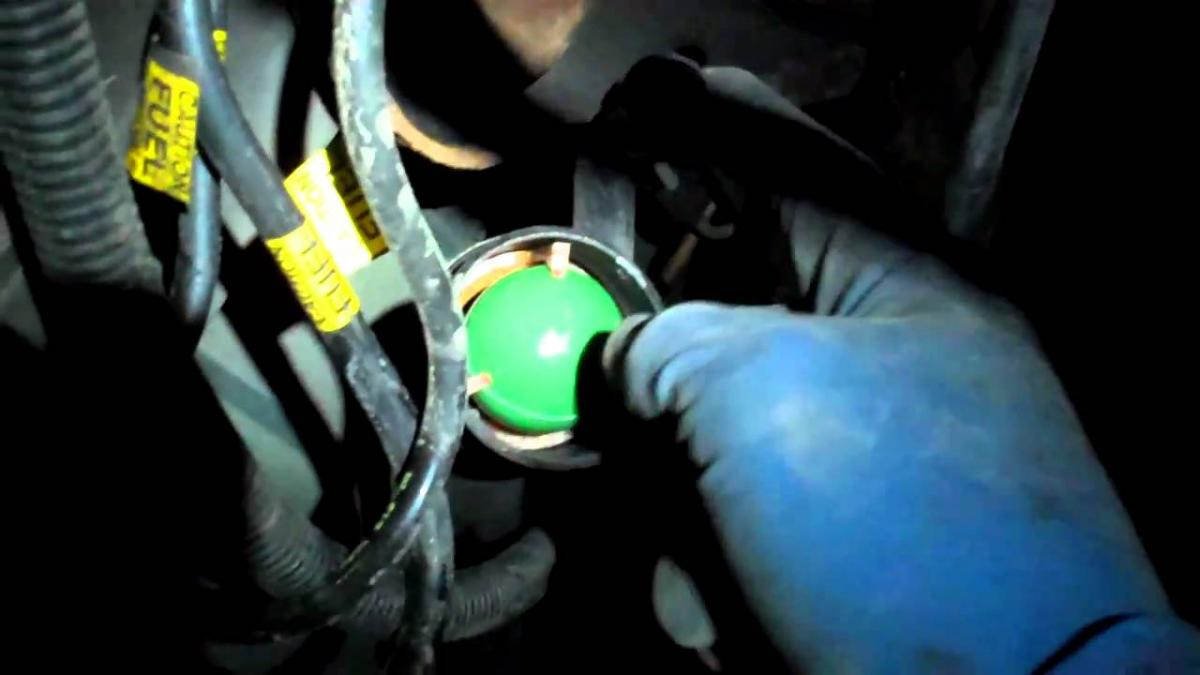 How To Siphon Gasoline Out Of The E39 Into A Gas Can Page 3 Evaporator Bmw New X5 Ori Behr Click Image For Larger Version Name Maxresdefault Views 169 Size 548