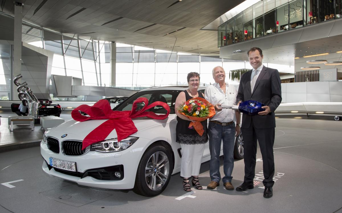 BMW Welt Delivery number 100,000