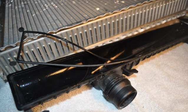 EBAY GUIDES - CAN I REPLACE THE SIDE TANKS FOR MY BMW E36 RADIATOR