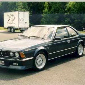 Pat's 1986 M635CSi, VDO gauges and K&N filter modded (Germany)