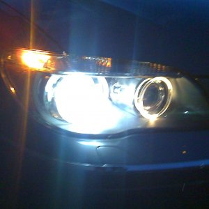 750Li headlight